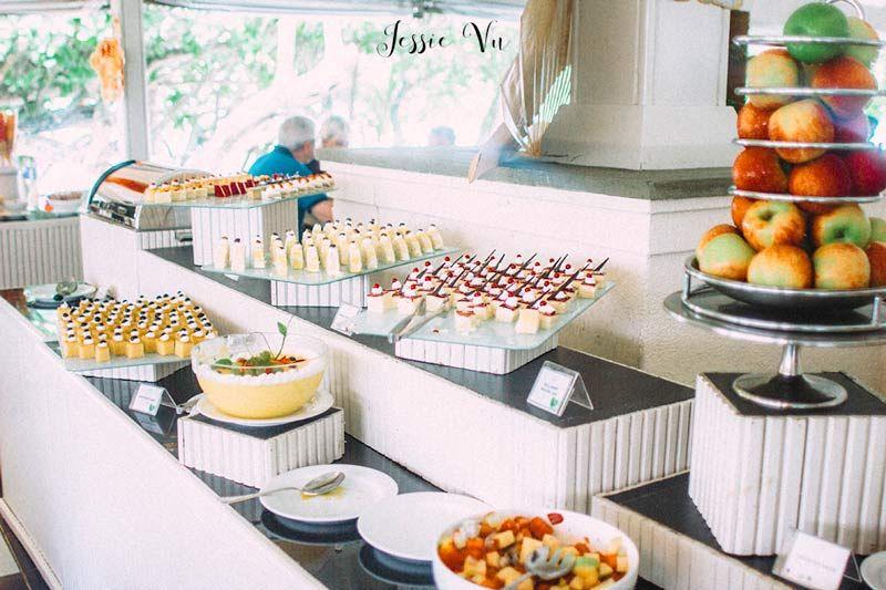Buffet trên đảo Resort Maldives