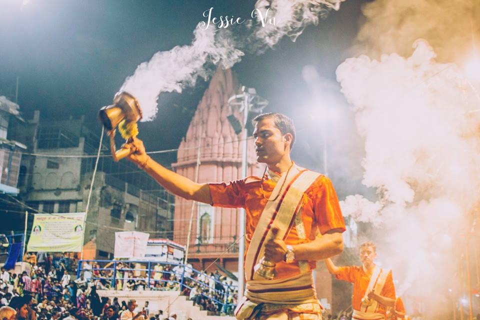 Lễ hội lửa Varanasi , Ấn Độ