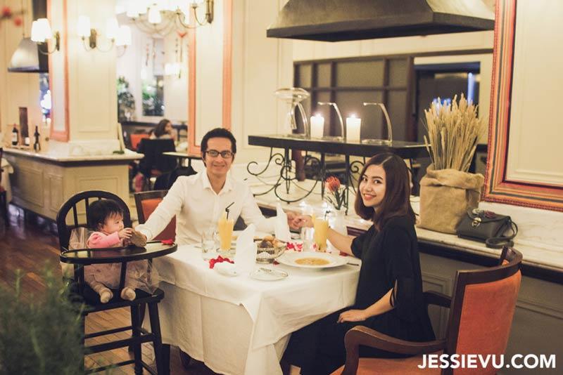 Review nhà hàng Metropole