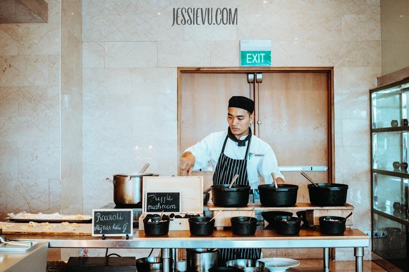 buffet tôm hùm JW Marriott
