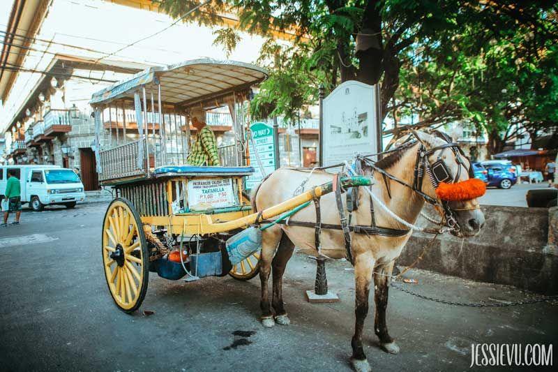 Xe ngựa kéo Intramuros