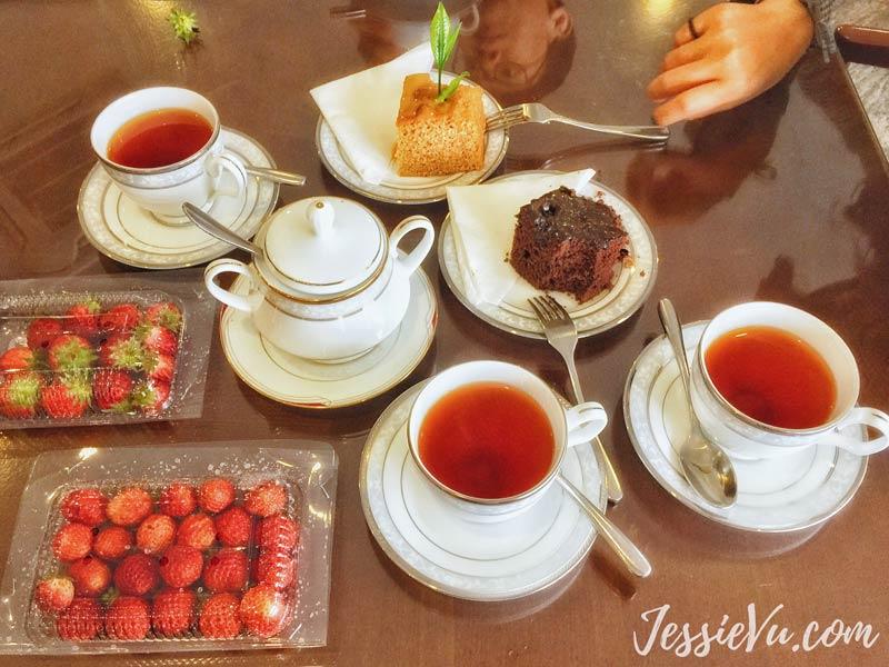 Thử trà ở Damro Tea