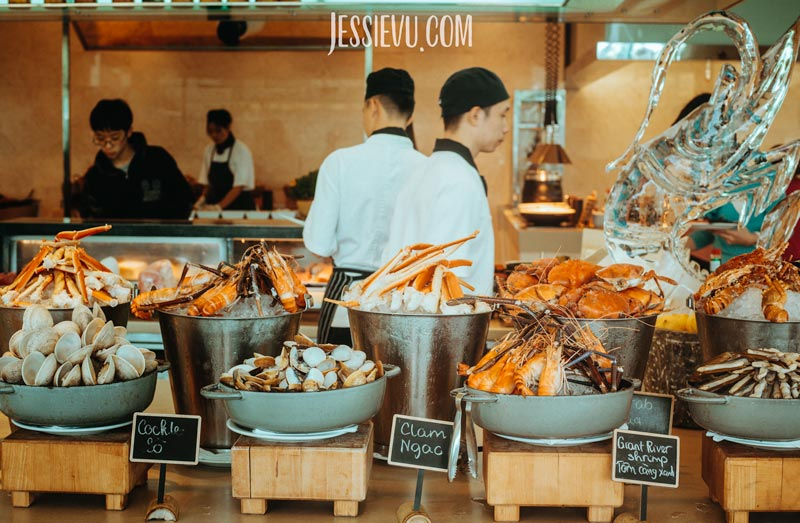 buffet tôm hùm JW Marriott